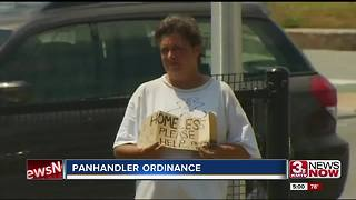 Homeless advocates advise giving Omaha panhandlers food, information - Video