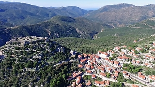 Drone magnificently captures picturesque castle-town of Karitaina, Greece