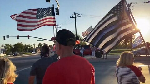 """Local Residents hold """"Patriot's Rally"""" in support of military, first responders, and President Trumpi"""