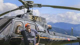 Chopper power lift – Man breaks world record lift with helicopter - Video