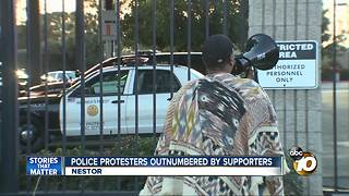 Police protestors outnumbered by supporters - Video