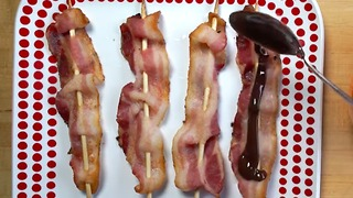 A simple chocolate-covered bacon recipe that is ridiculously good - Video