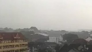 Tornado Touches Down in Indonesia's Yogyakarta - Video