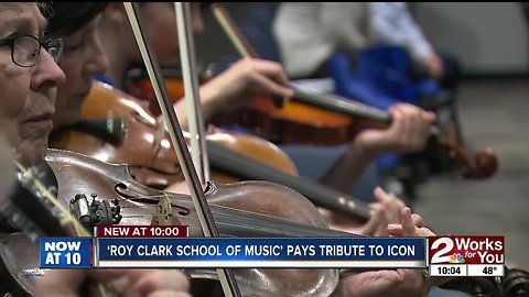 Roy Clark tribute held during fiddling class concert