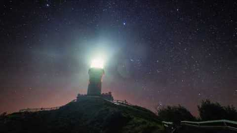Timelapse Footage Captures Byron Bay Skies From Dusk to Dawn