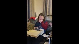 10-year-old has adorable reaction to finding out her mums are getting married - Video