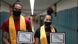 Milwaukee twins first co-valedictorians in school history
