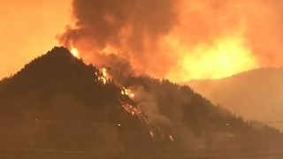 Evacuation Orders Remain as Eagle Creek Fire Burns Overnight - Video