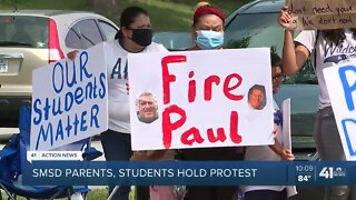 SMSD parents, students hold protest