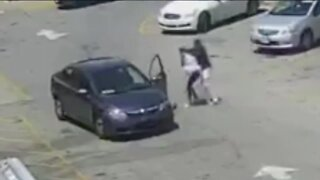 Milwaukee woman, small children possibly abducted from McDonald's parking lot midday