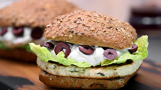 Greek-styled chicken burger recipe - Video