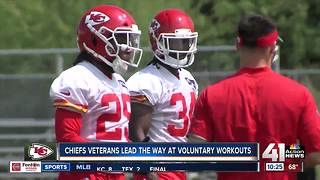 Chiefs veterans lead way at voluntary workouts - Video