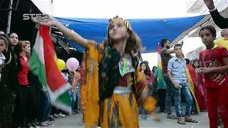 Syrian Kurds Celebrate Referendum on Kurdish Independence in Iraq - Video
