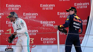 Lewis Hamilton wins 5th straight for Mercedes