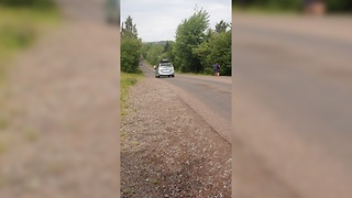 Cars in New Brunswick, Canada mysteriously roll uphill - Video