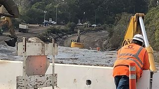 Crews Continue Digging Out a Flooded 101 Freeway - Video