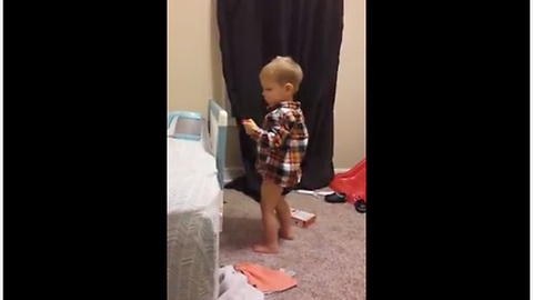 Toddler Hilariously Mocks His Pregnant Mom