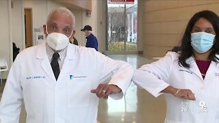 Father-daughter doctor duo have vaccine message