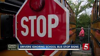 Drivers Repeatedly Ignore Bus Stop Signs - Video