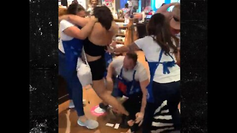 Bath & Body Works Fight, A Brawl Breaks Out Over A Mask At BBW Fashion Square Mall