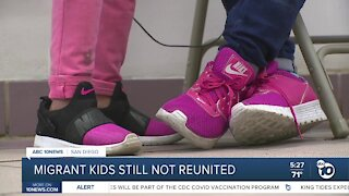 Hundreds of migrant children still not reunited with parents