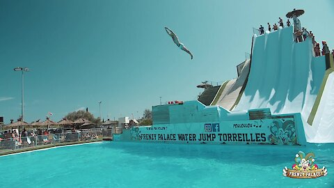 Mind-blowing slide diving contest shows off impressive skills