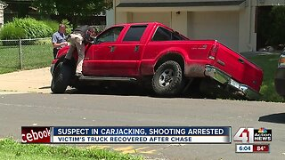Suspect in KCMO armed carjacking taken into custody after chase