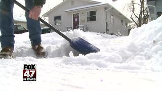 Things to keep in mind while shoveling snow - Video