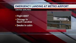 United Airlines flight makes emergency landing at Detroit Metro Airport - Video