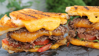 0815BBQ Grilled Cheese Cheeseburger - Video