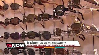 Sunglasses, the protection accessory - Video