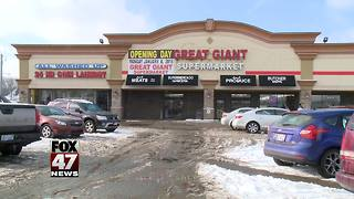 Giant new supermarket opens today in Lansing - Video