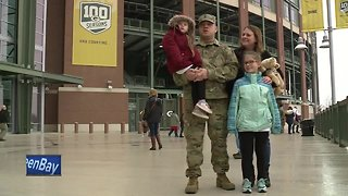 Wisconsin National Guard soldiers get send-off at Lambeau