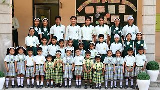 Indian school has 17 pairs of identical twins - Video