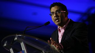 Trump Announces He'll Pardon Conservative Filmmaker Dinesh D'Souza - Video