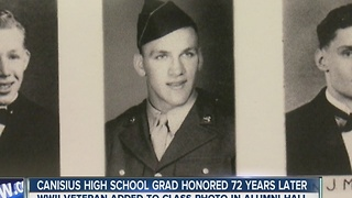 WWII veteran added to class photo after 72 years - Video