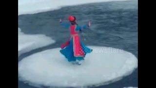 Hypnotic ice flow spins around in Inner Mongolia river - Video