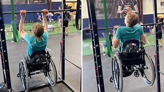 Inspirational Spina Bifida Athlete Completes 11 Pull Ups In Wheelchair