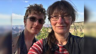 Oberlin professor creates app to help her son, others cope with chronic pain