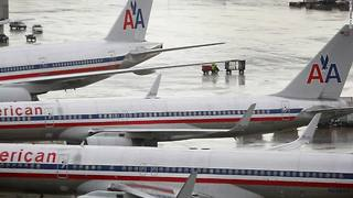 15,000 American Airlines flights scheduled without pilots - Video