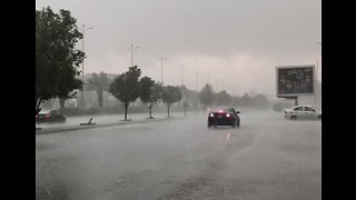 Heavy Rain Drenches Jeddah - Video