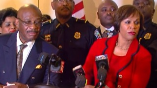 Riviera Beach police chief holds news conference - Video