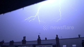 Spectacular weekend lightning storm captured over Leeds - Video
