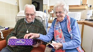 Pensioners go on their first ever blind date aged 100 - Video