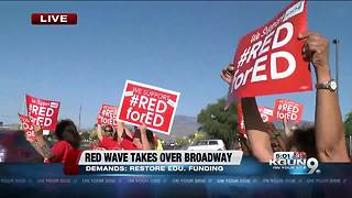 Teachers to line Broadway ahead of walk-out - Video
