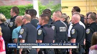People line streets of Milwaukee to honor fallen Officer Charles Irvine Jr. - Video