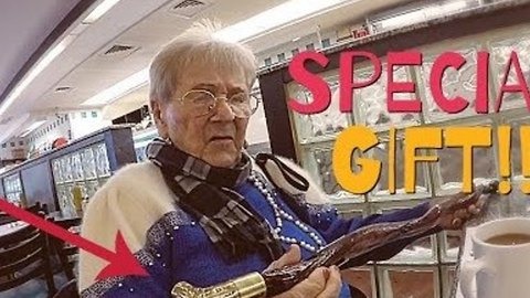 This Vlogger Buys a Unique Gift for His 102-Year-Old Grandma