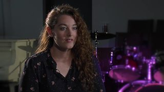 Mandy Harvey extended interview - Video