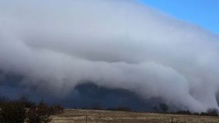Cold Front Rolls Through Oklahoma - Video
