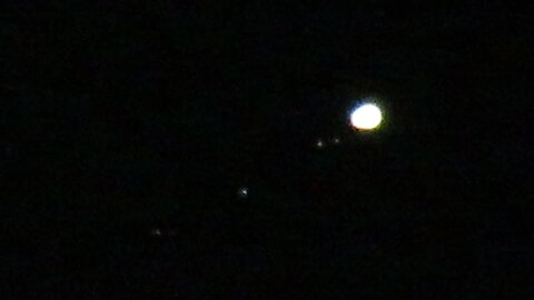 Insane Close-Up Zoom Of Jupiter And Its Moons